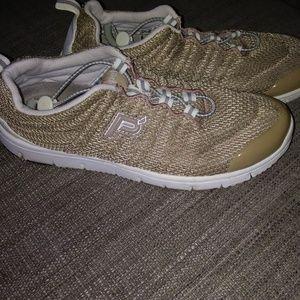 Propt USA Womens Travel Walker II Shoe W3239 Taupe